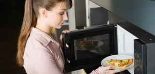 microwave cooking and nutrition, Microwave cooking, microwaving, is microwaving food bad for you, do microwaves destroy nutrients in food, is heating food in a microwave bad for you, do microwaves zap nutrition