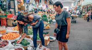 Urban Foraging: Finding Food in Unexpected Places